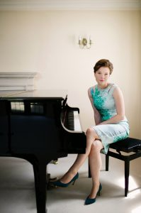 Clare Hammond, piano